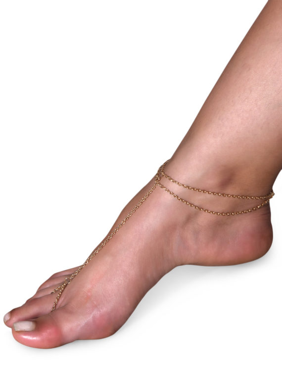 FemNmas celebrity chain anklet india