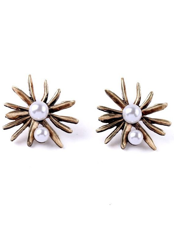 FEmNmas antique pearl stud earring