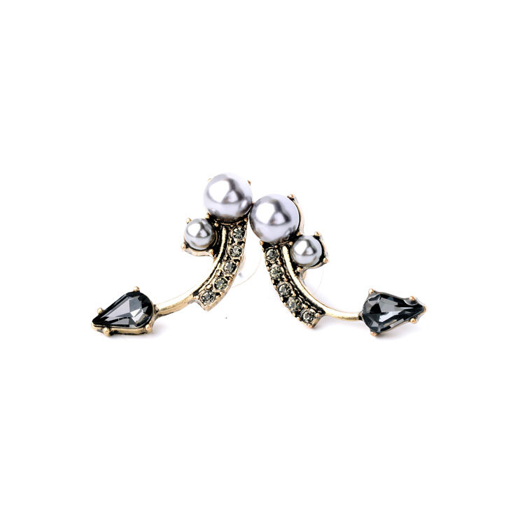 Pearl Stud Fashion Statement Earring